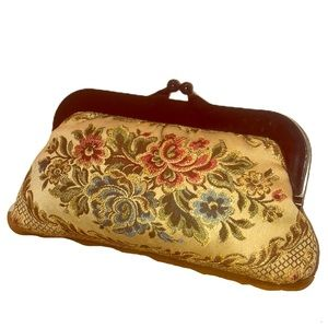 VINTAGE FLORAL EMBROIDERED CLASP CLUTCH PURSE